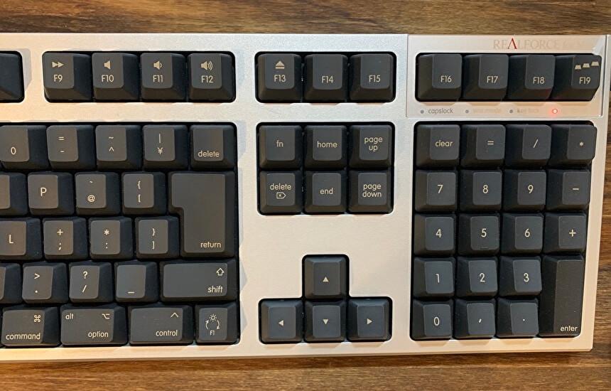 REALFORCE for Macのキーボードで黒色を選んだ理由