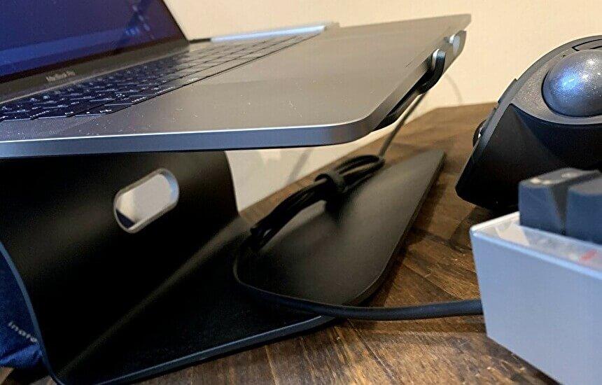 REALFORCE for Macのキーボードは有線だけど邪魔にならない