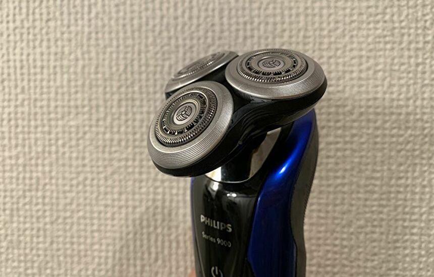 S9185のレビュー|円を描くように剃ると綺麗にヒゲをキャッチする