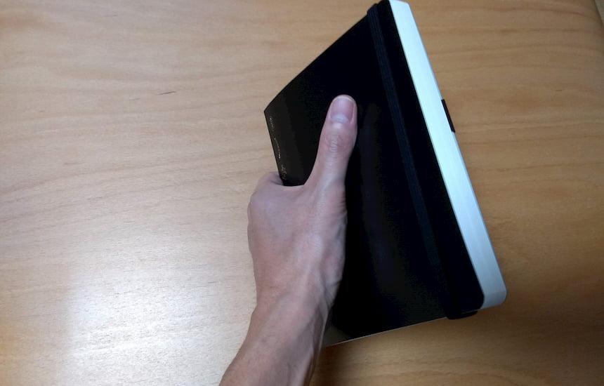 365デイズノートのB6サイズは手のひらサイズ