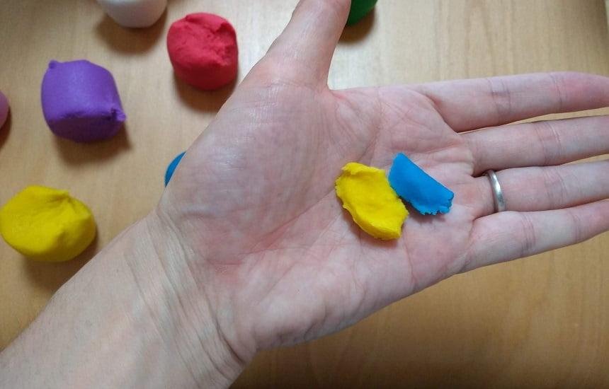 ボーネルンドのかんてんネンドSTUDIOのレビュー 青と黄色を混ぜると