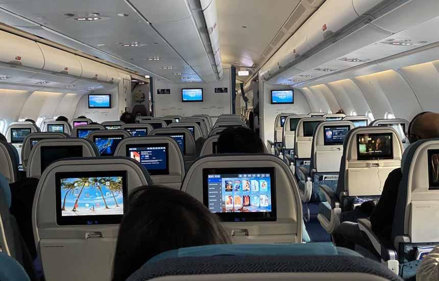 NCH700有線接続で機内エンターテイメント